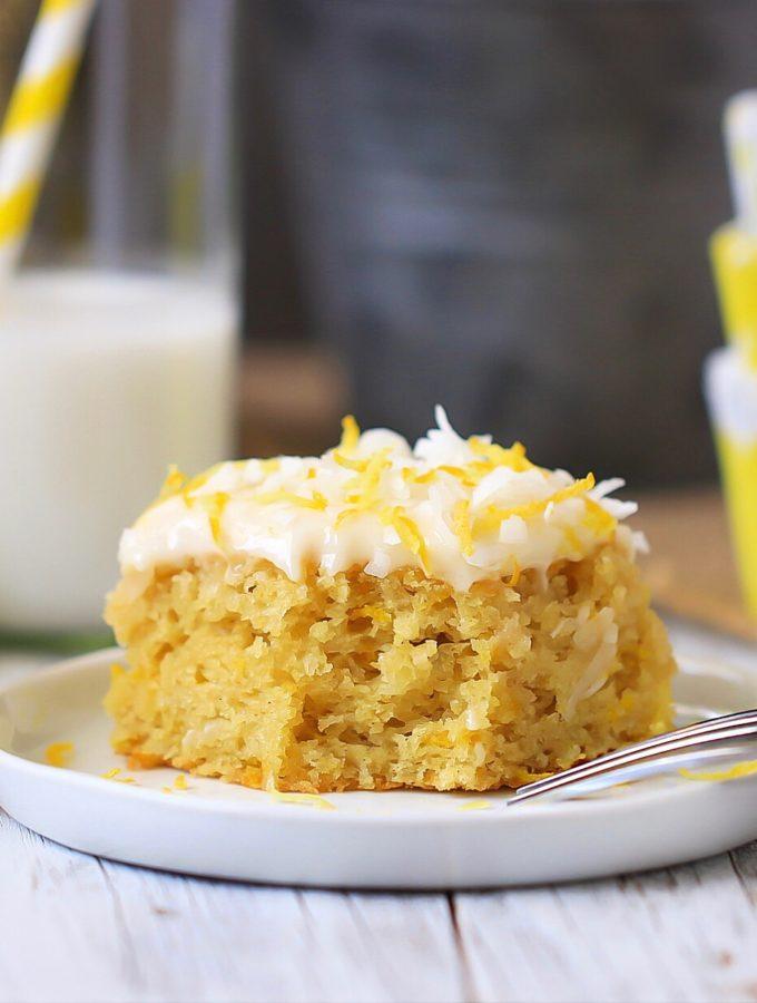 A moist and fluffy tart lemon cake
